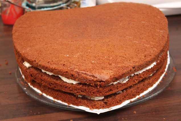 Schokoladenkuchen mit Mandarinen-Käse-Sahne Füllung