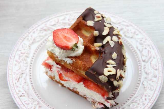Waffel_Torte_Anschnitt_2